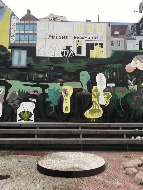 Mural 2019 34m. Algade 27 Roskilde DK-detail....